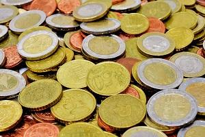 Bildbeschreibung: Auf dem Bild sind viele Euro- Münzen zu sehen